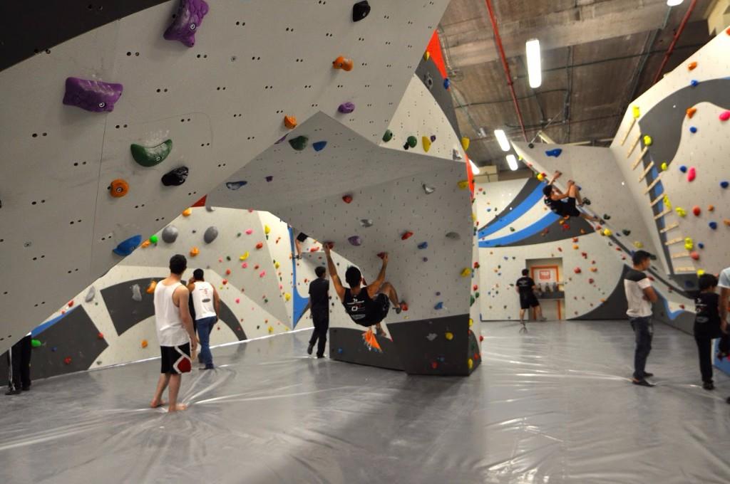 Boulderland Teen Event