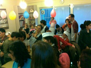 Jeremys-circle-Chanuka-09-31